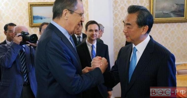 Пекин просит помощи у Москвы