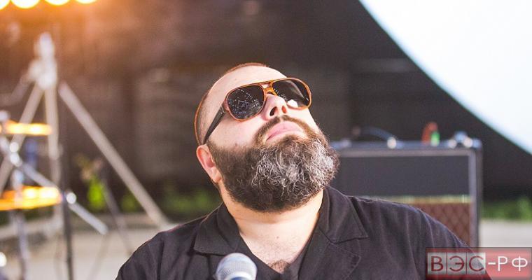 Макс Фадеев записал видео с пародийным клипом на свою песню