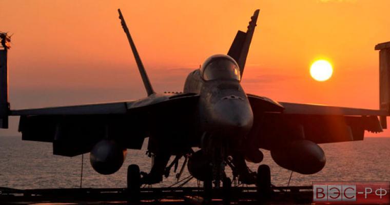 Истребитель ВМС США пострадал от внедорожника, уходящего от погони
