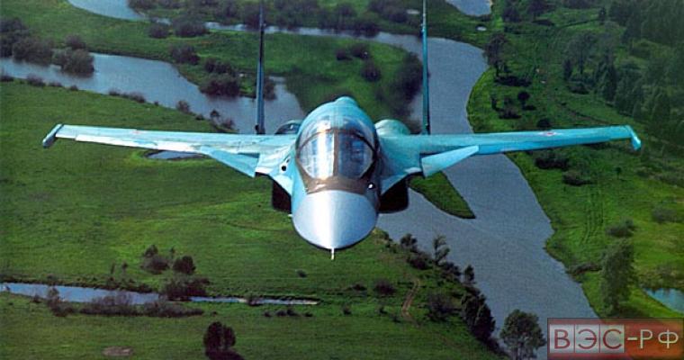 военный бомбардировщик-истребитель СУ-32