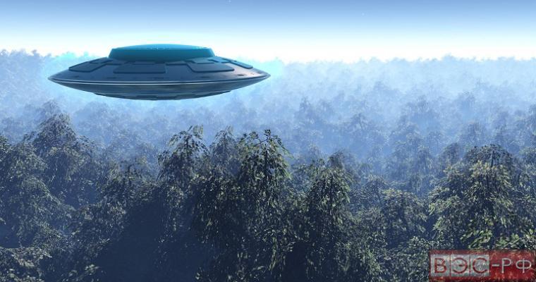 Сразу несколько НЛО удалось заснять на камеру в разных частях Земли