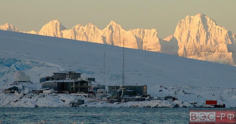 на Северном полюсе обнаружена военная база нацистов