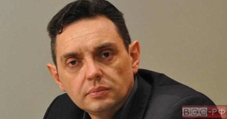 Александар Вулин